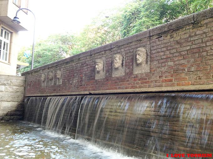 Римский фонтан в Кельне